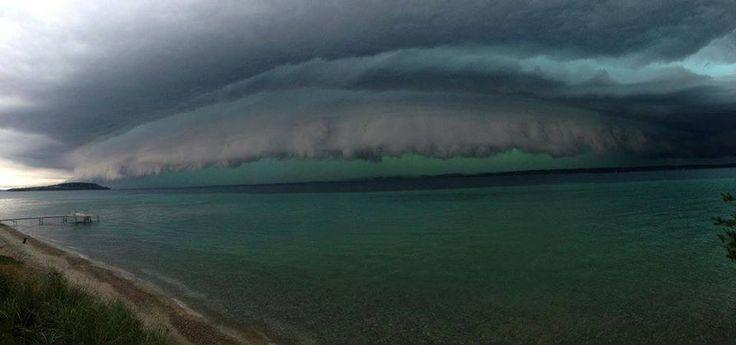 Storms Packing Damaging Winds Spawn Tornado In Michigan Glen Traverse City Michigan Traverse City Storm Lake