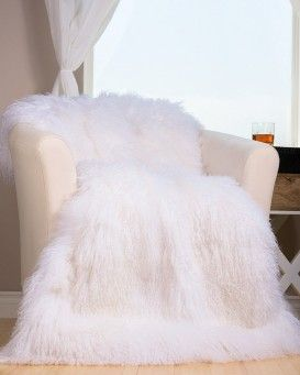Real Fur Blankets Fur Throws Fursource Com In 2020 Fur Blanket Fur Bed Throw Faux Fur Bedding