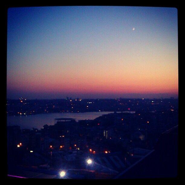 #photooftheday #dailyphoto #webstagram #ig #popular  #igaddict #igdaily #instaplus #instago #mobilephotography #instamood #iphonesia #instagramer #picoftheday #igers #igersturkey #instagood #ignation #skyporn #sunset #sky #istanbul #eurasia - @onursakin- #webstagram