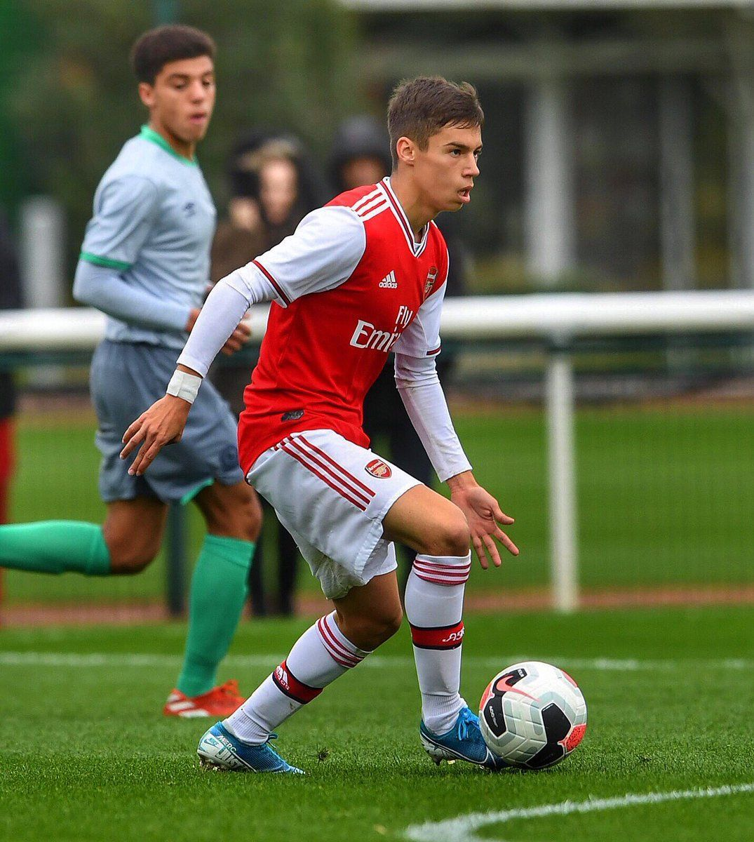 Catalin Cirjan Arsenal Youngster Signs First Professional