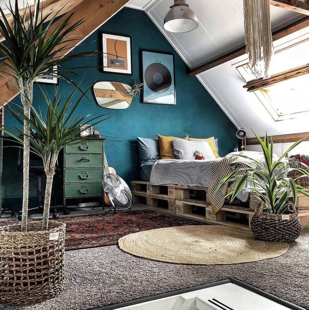 Attic Bedroom Ideas Inspiration For Slanted Ceilings And Interesting Entries Vintage Bedroom Decor Bedroom Vintage Vintage Bedroom Styles