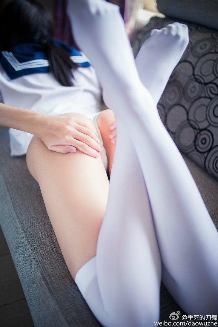 futomomo erotic white skin legs エロ画像
