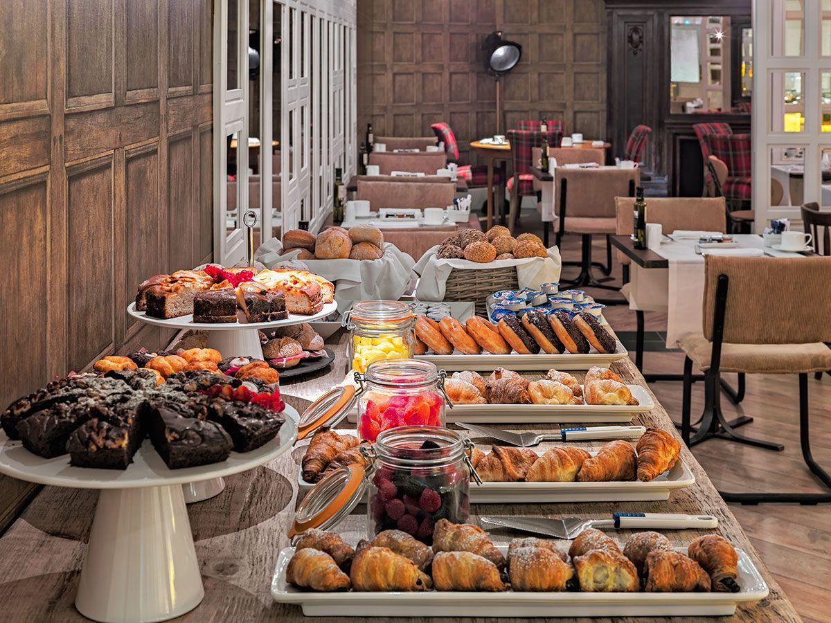 Desayuno Buffet En El Restaurante B Topic H10montcada