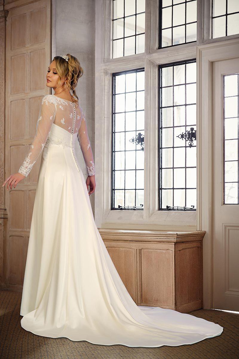 Wedding dress long sleeve  Long Sleeved Wedding Dresses Our Favourite Picks  Long sleeved