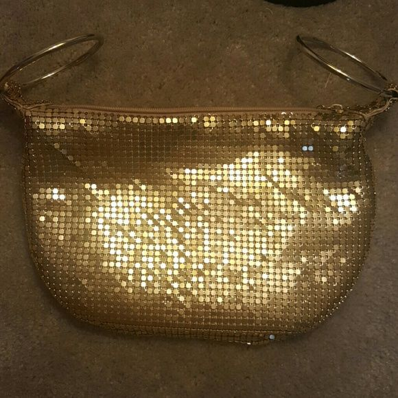 Cache handbag Stunning gold bangle handbag in excellent condition. Ready for a night on the town! Cache Bags Clutches & Wristlets