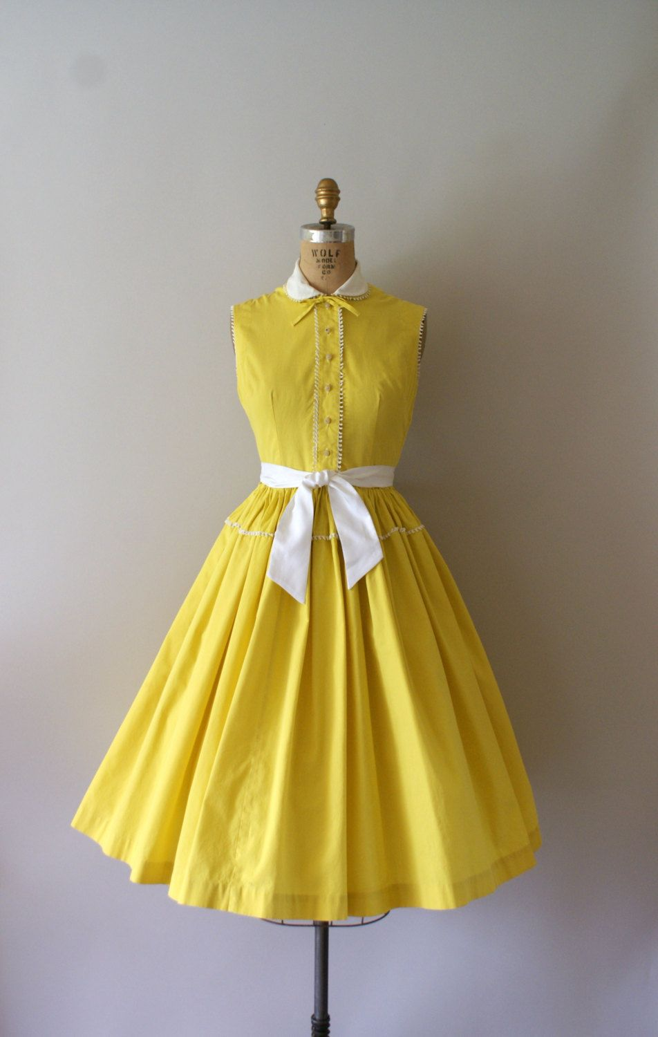 Reserved Listing Vintage 1950s Dress 50s Yellow Cotton Etsy Vintage 1950s Dresses Vintage Dresses Dresses [ 1500 x 952 Pixel ]