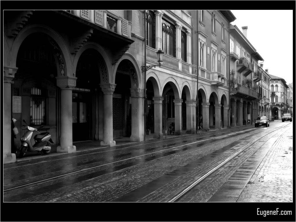 Italian black and white architecture desktop wallpaper