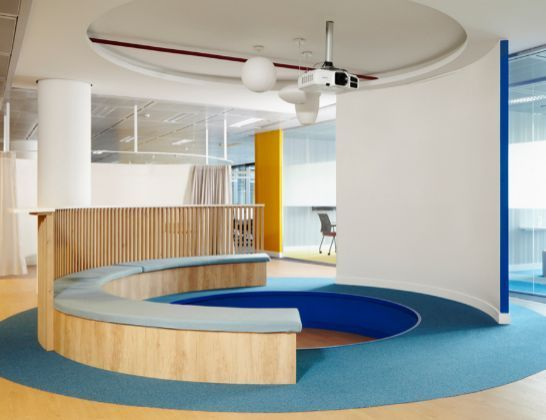 39 open power space 39 de endesa oficinas pinterest cas for Oficina fecsa endesa