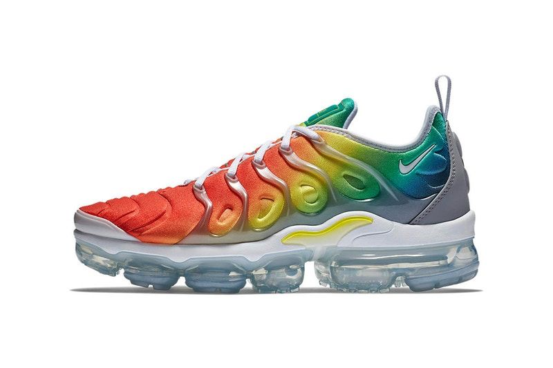 the latest 44900 bd6dc Nikes Air VaporMax Plus Adds New Color Transitions to Its Upper
