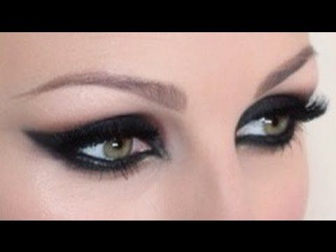 Nicola from pixiwoo -- Intense Feline Cat Eye Makeup Tutorial