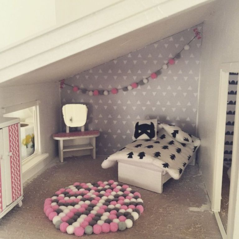 53 Cheap and Affordable DIY Barbie Doll Furniture Ideas #barbiefurniture