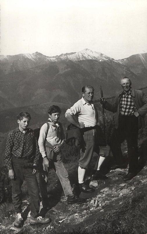 Štepitovci pri výstupe  na Kriváň - fotoarchív:Ľubomír Štepita - september 1968
