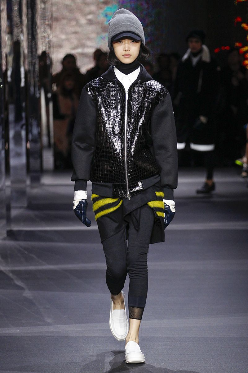 2019 year lifestyle- Gamme moncler rouge fall runway review