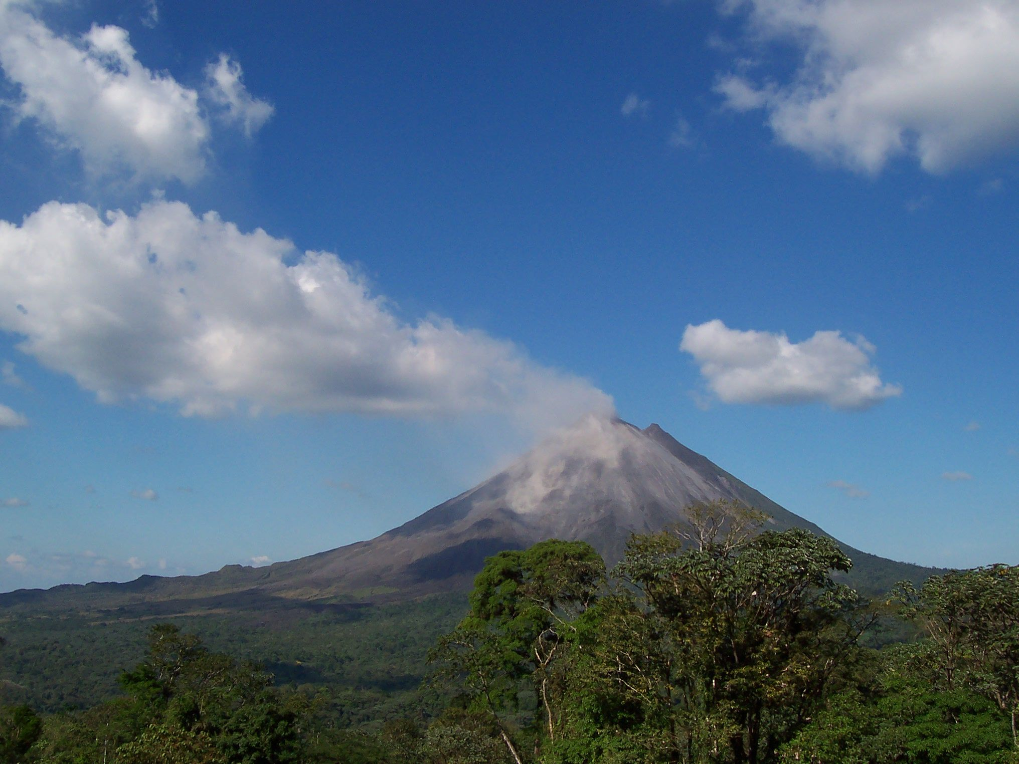 Volcan Arenal,Costa Rica. Places to travel, Places to go