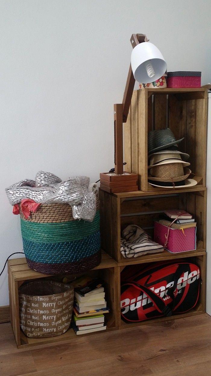49 deko ideen und einrichtungsbeispiele f r m bel aus weinkisten wohnzimmer ideen. Black Bedroom Furniture Sets. Home Design Ideas