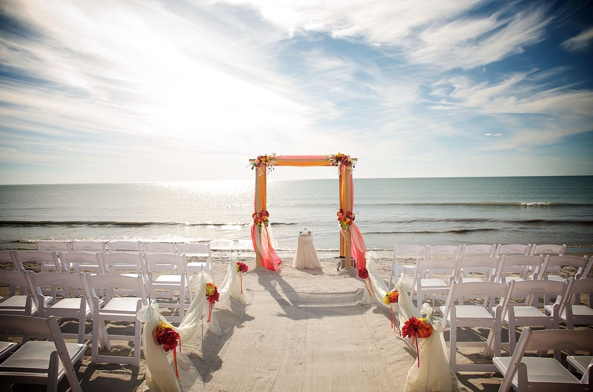 Sand Petal Weddings Offers Unique And Memorable Decor Packages For Your Florida Beach Wedding Fl Arrangements Ceremony Reception