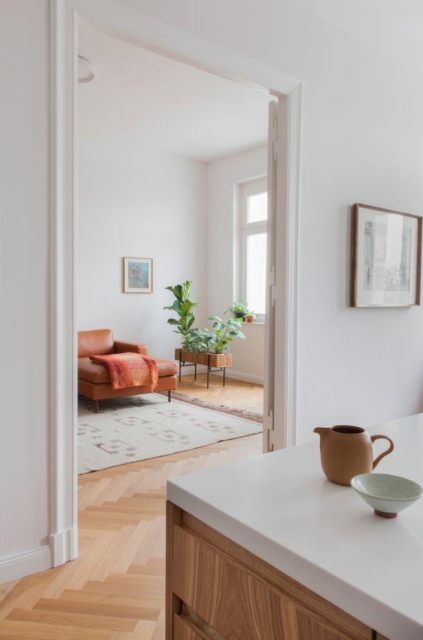 Blick ins Wohnzimmer der 90 Quadratmeter großen Altbauwohnung von - bilder für wohnzimmer
