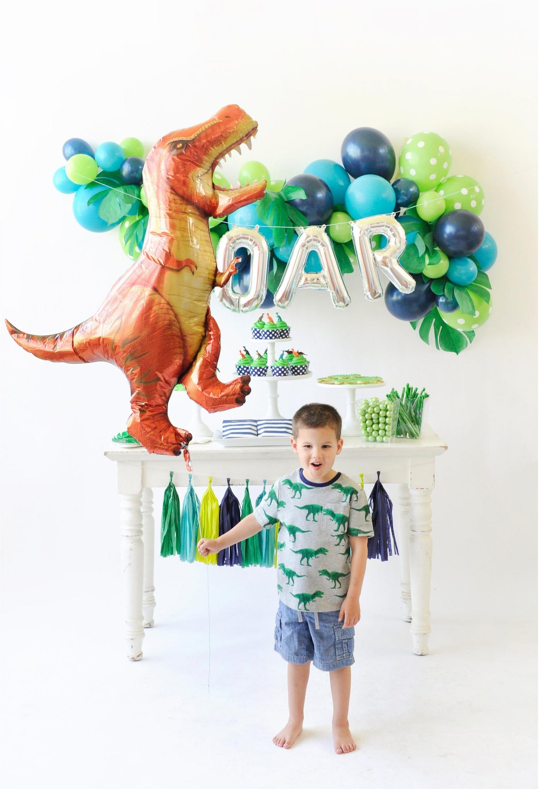 have a roaring good time with this dinosaur birthday