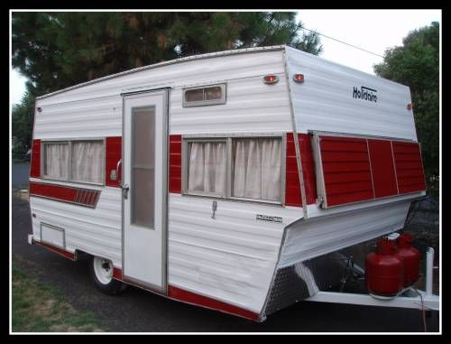 1974 Holidaire Vintage Travel Trailer 16 Ft Tin Can Classifieds Vintage Trailer Decor Vintage Camper Remodel Vintage Travel Trailers