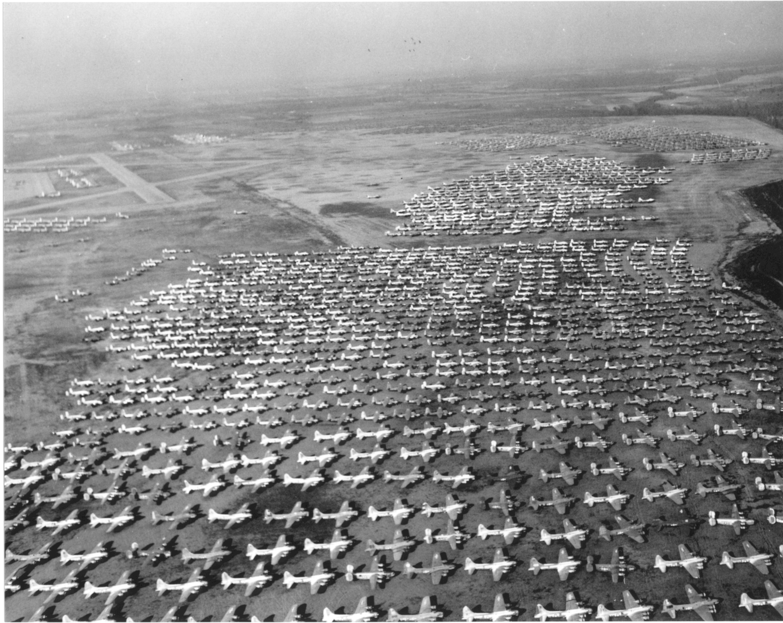 Post war surplus planes | WWII | Ww2 aircraft, Plane icon, Fighter pilot