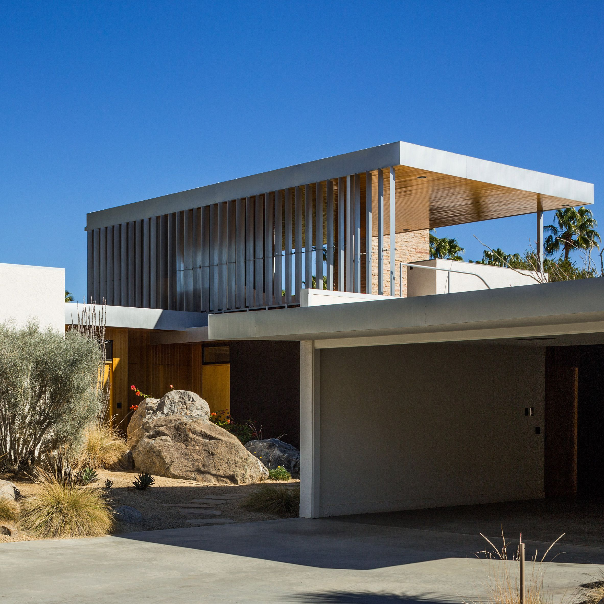 Mid Century Modern Residence: To Coincide With Palm Springs Modernism Week, We've Picked