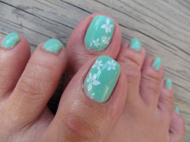 Minty Toes - Konad by glitterM, via Flickr