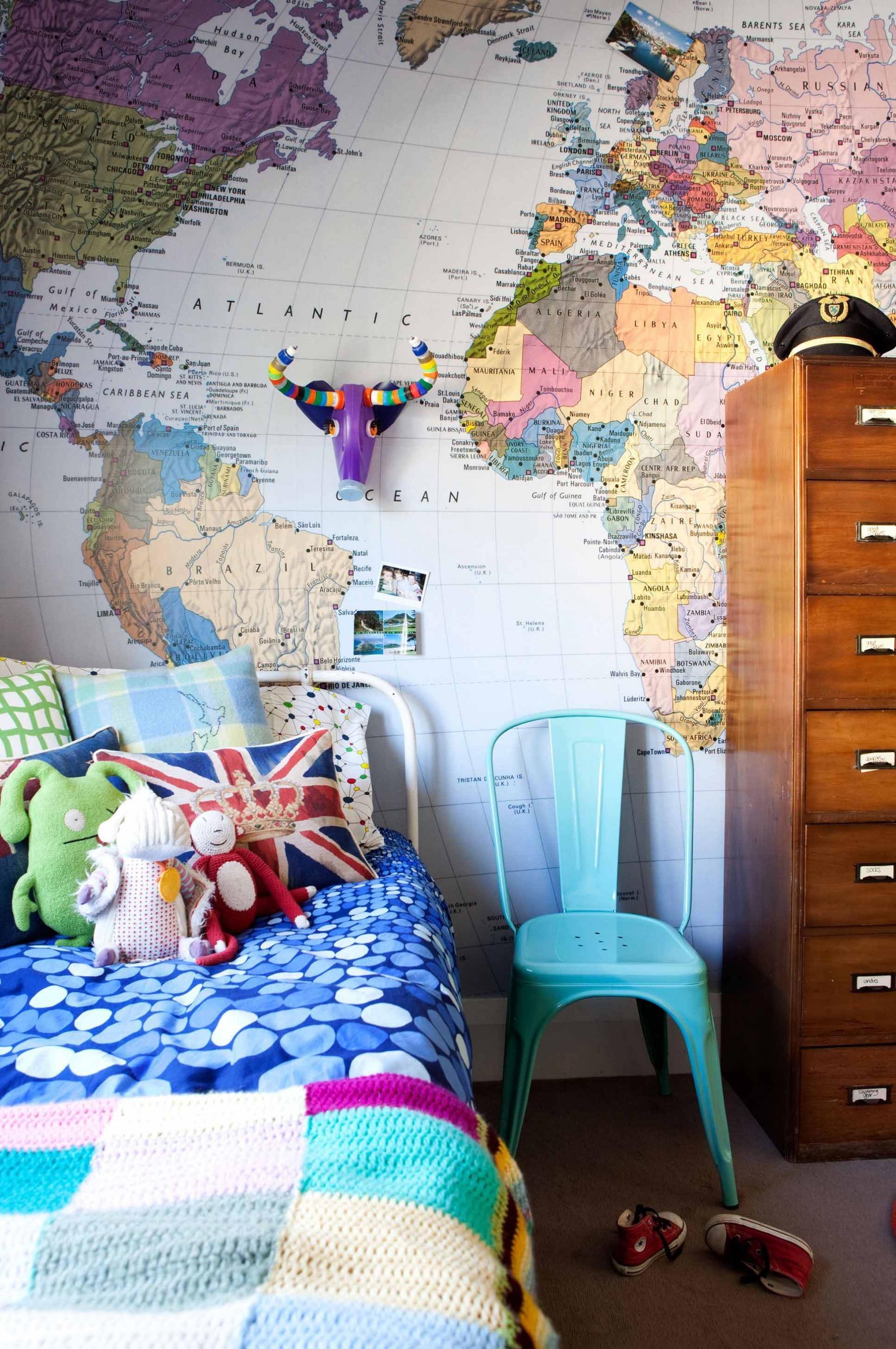 Es Ist Sehr Einfach, Ein Kinderzimmer Zu Malen, Aber Es Ist Jetzt  Altmodisch Geworden. Heute Werden Für Kinderzimmer Tapeten Bevorzugt,