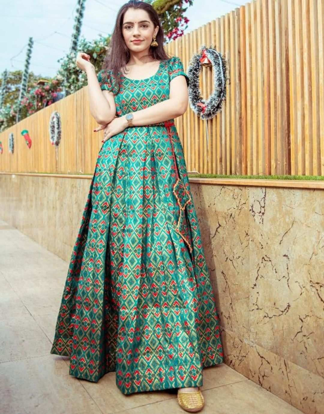 Green Brocade Maxi Dress In 2020 Maxi Dress Designer Dresses Indian Dresses To Wear To A Wedding