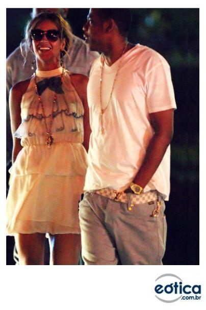 Beyoncé com os óculos de sol Thierry Lasry #beyonce #sunglasses #oculosdesol #thierrylasry