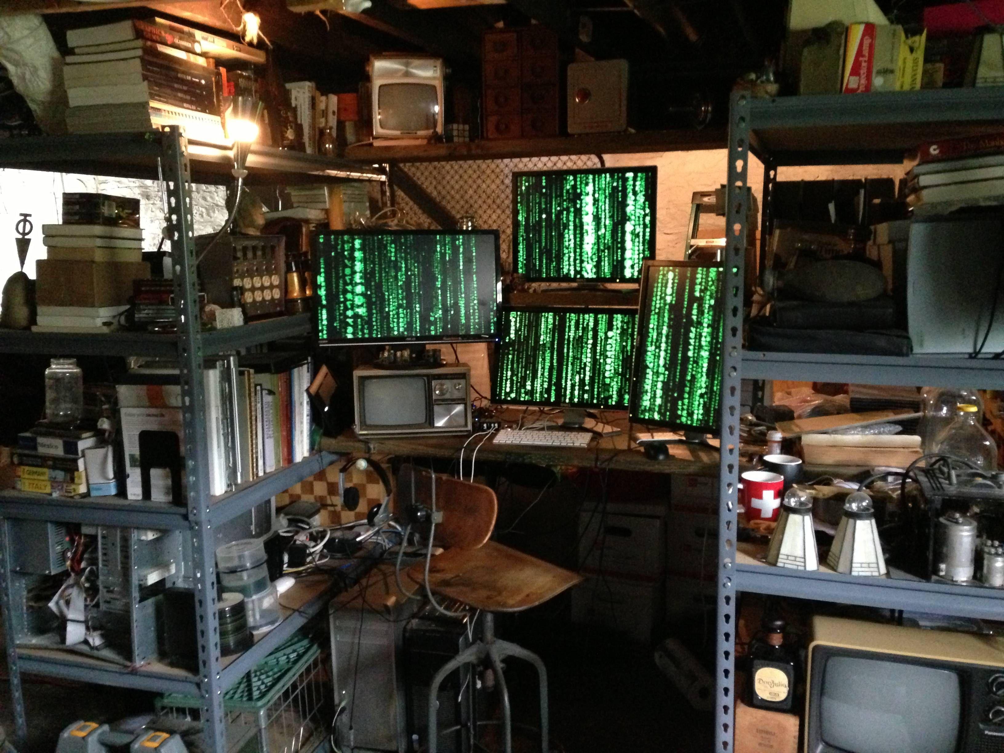 Cyberpunk chair cerca amb google commercial escac vfx for Cyberpunk interior design