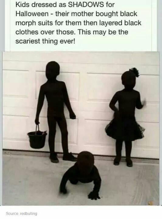 Halloween:  Schatten mit schwarzen Morphsuits und schwarzen Klamotten drüber... Ziemlich gruselig, oder? #fallmemes