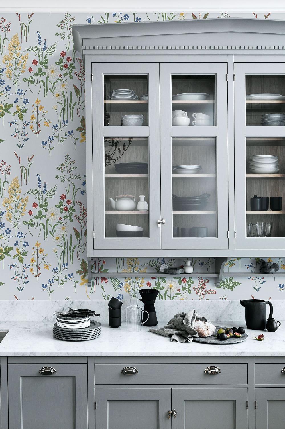 Pine Tapetti In 2020 Kitchen Wallpaper Kitchen Cabinets Open Kitchen Shelves