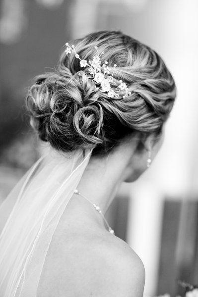 Brautfrisur romantisch mit schleier