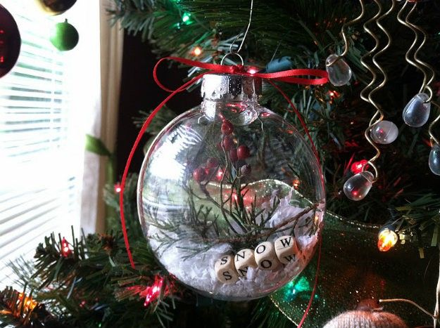 Natural-Looking DIY Glass Ornament   Spectacularly Easy DIY Ornaments for Your Christmas Tree