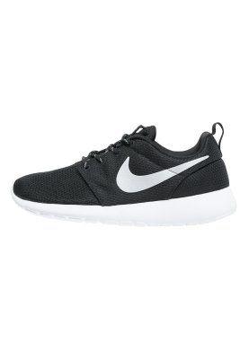 Bestill Nike Sportswear ROSHERUN - Joggesko - black/metallic platinum/white for kr 849,00 (07.01.15) med gratis frakt på Zalando.no