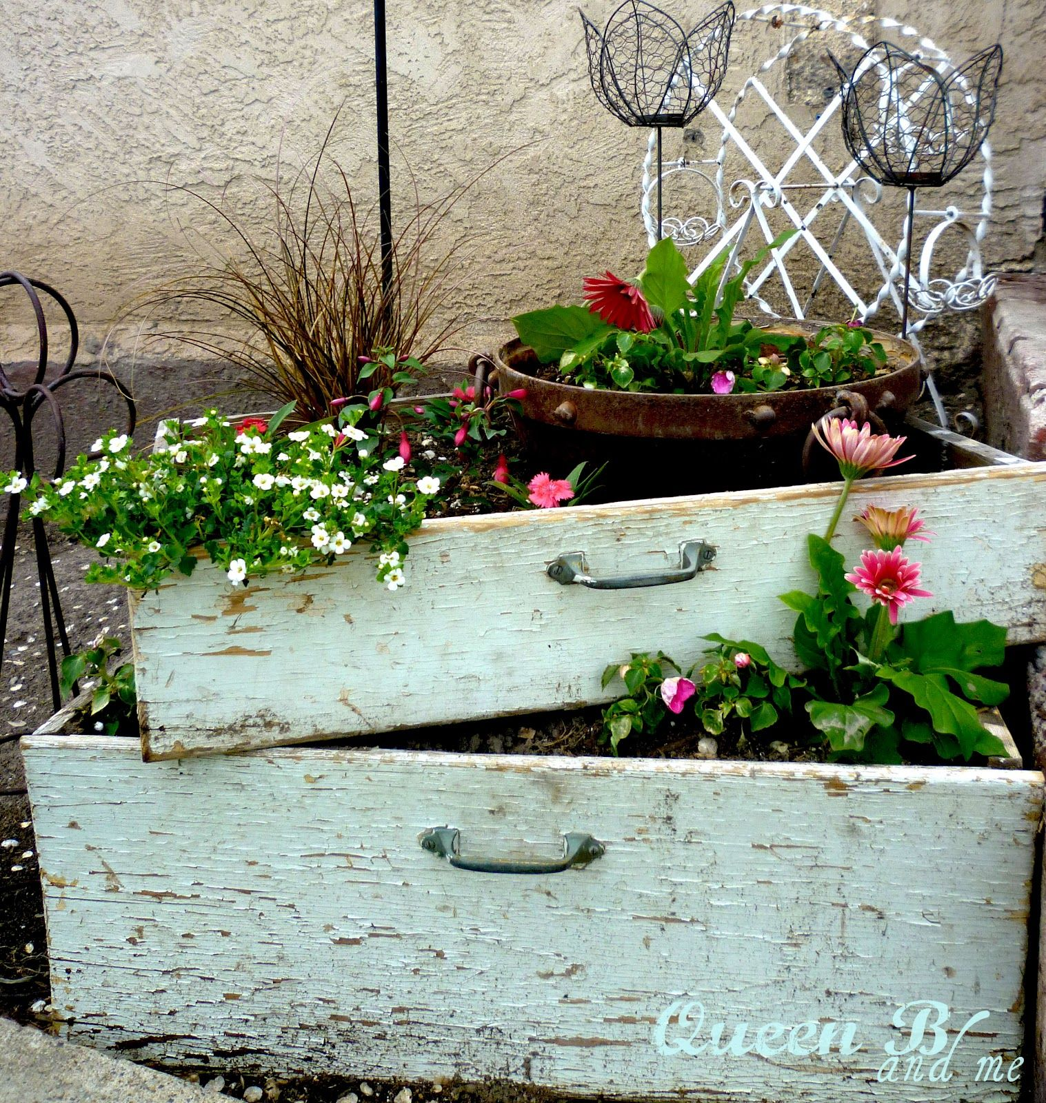 Get Ready For Spring With These Antique Front Porch