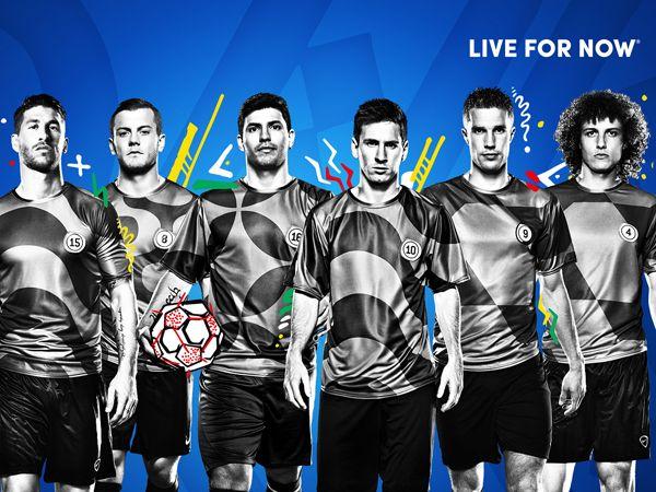 """#Video #Viral Pepsi une a artistas y futbolistas para demostrar que el fútbol es arte #FutbolNow - http://bit.ly/1tfb8qC publicado en  Fractal Studio """"La infinidad en Video"""""""