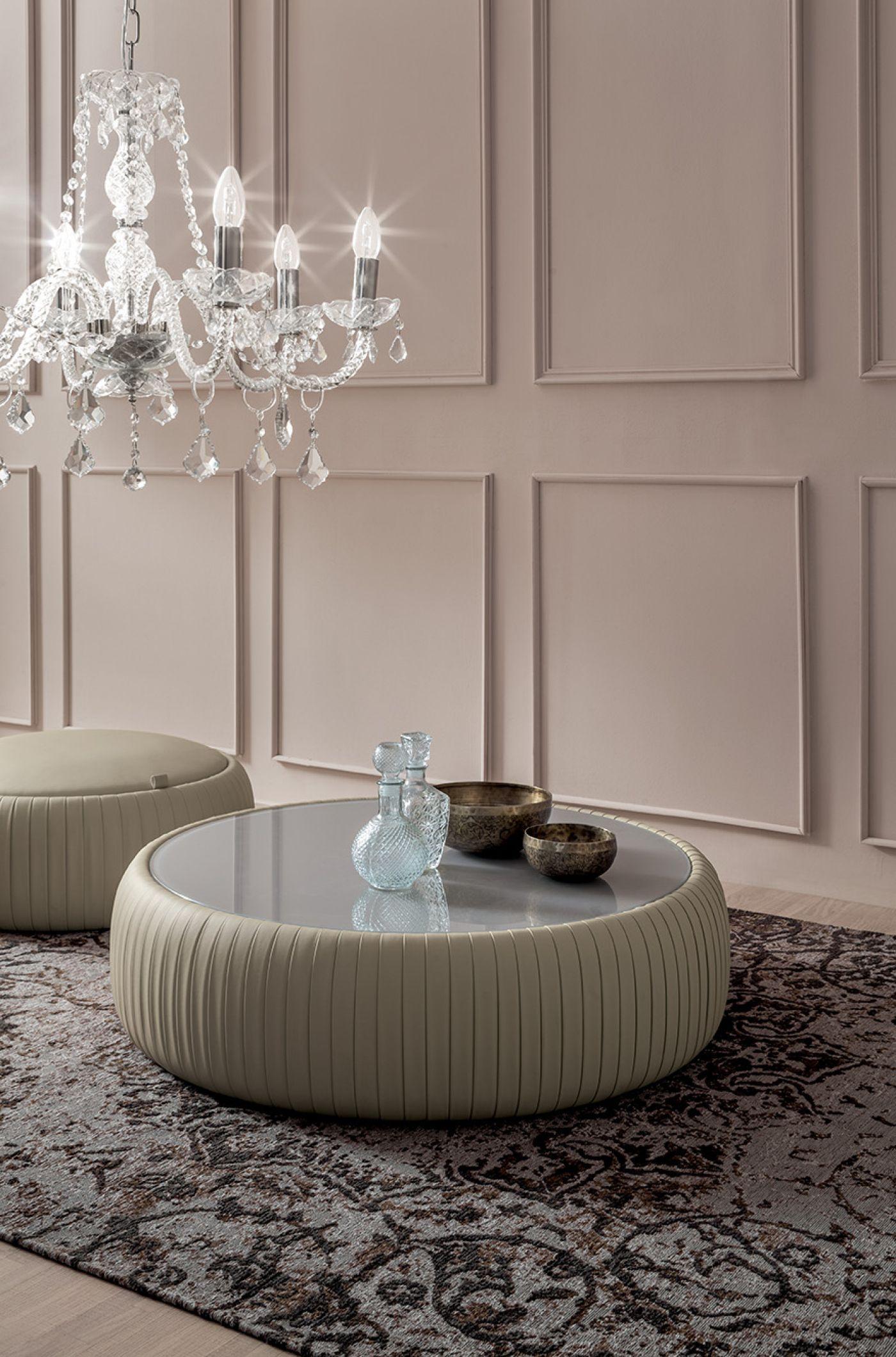 Un Pouf Un Tavolino Un Contenitore Scopri Plisse Pouf Contemporary Wall Design [ 2120 x 1400 Pixel ]