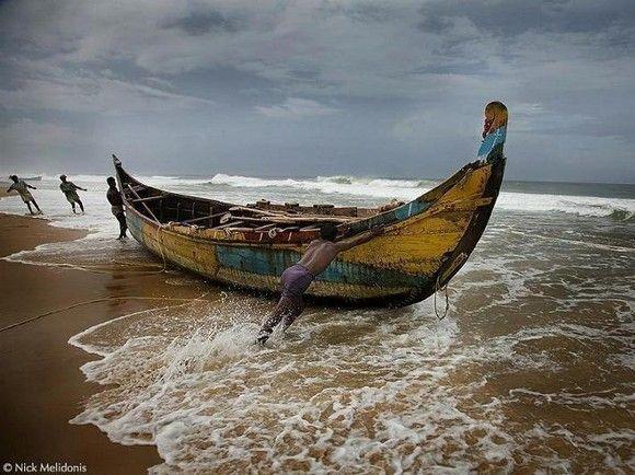 Kerala India Costa Do Malabar Arte Xavega Boat Surfing Indian Ocean
