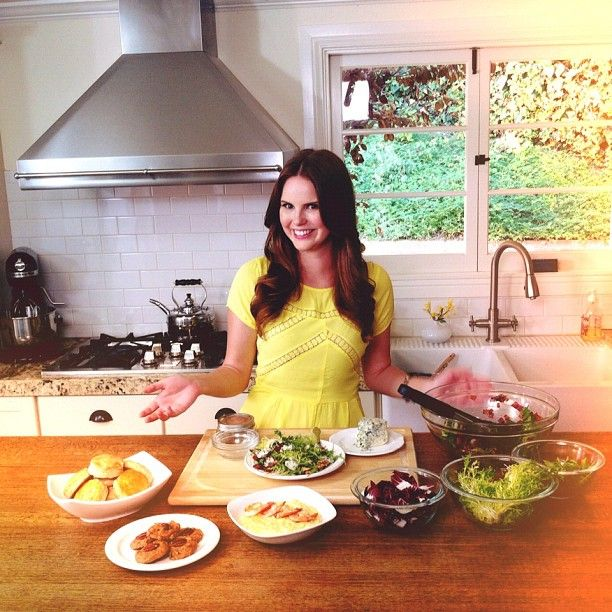 Food For Thought With Claire Thomas (specifically Looking