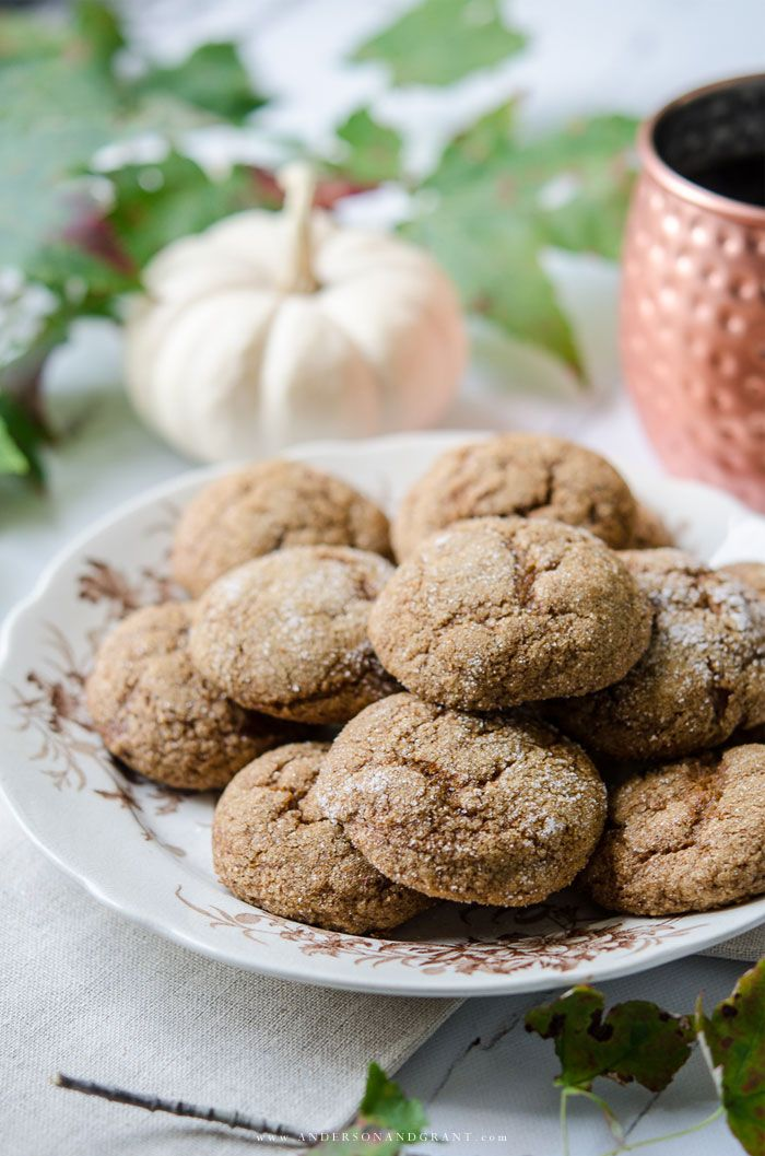 Pumpkin Ginger Molasses Cookies A delicious mix of fall flavors - These Pumpkin Ginger Molasses Cookies are easy to make and taste so good!