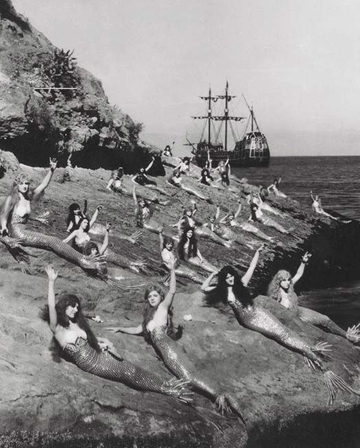 Creepy Weird Old Vintage Photos
