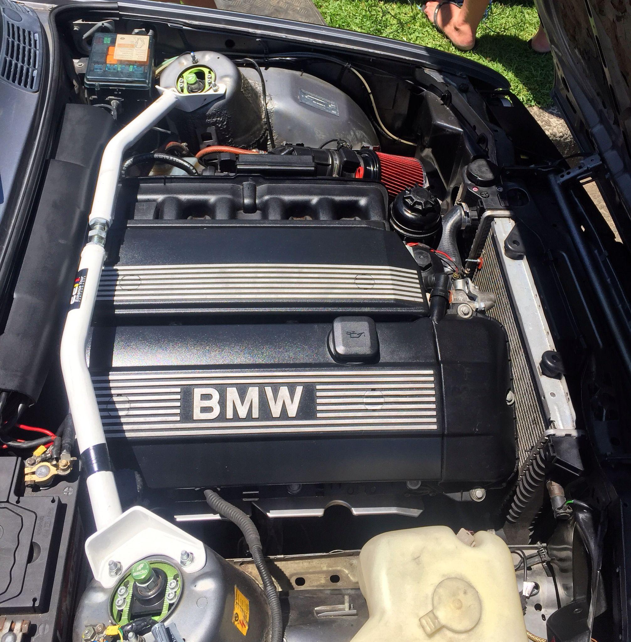 1990 Bmw E30 M54 Swapped Engine Bay Coilovers Ultra Racing Strut Brace Bmw M54 Bmw Engines Bmw E30