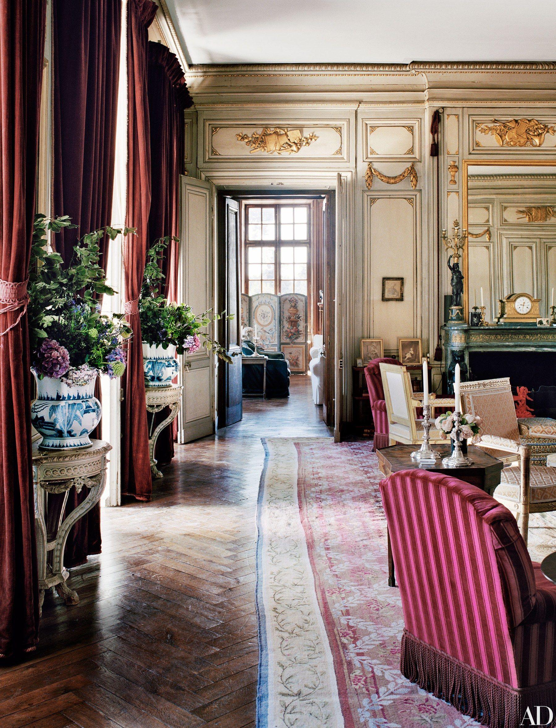 Tour Flore De Brantes S Incredible French Chateau Decoration