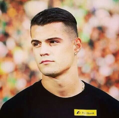 Granit Xhaka Places To Visit Soccer Players Soccer Und Arsenal