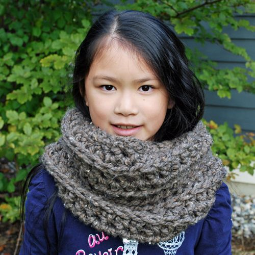 Here is a pattern for an easy to work up crochet cowl for kids this here is a pattern for an easy to work up crochet cowl for kids this dt1010fo