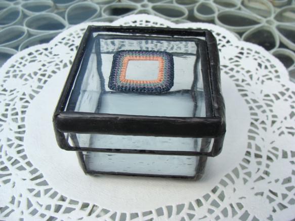 ラフィア作家のRecaLekaさんとのコラボで作ったガラスの箱です。|ハンドメイド、手作り、手仕事品の通販・販売・購入ならCreema。