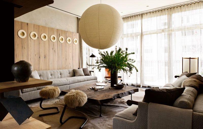 Contemporary Living Room With Oversize Paper Lantern Pendant Light Carpet Noguchi Ceiling Lamo 30a Woo Zeitgenossische Wohnzimmer Inneneinrichtung Zimmer