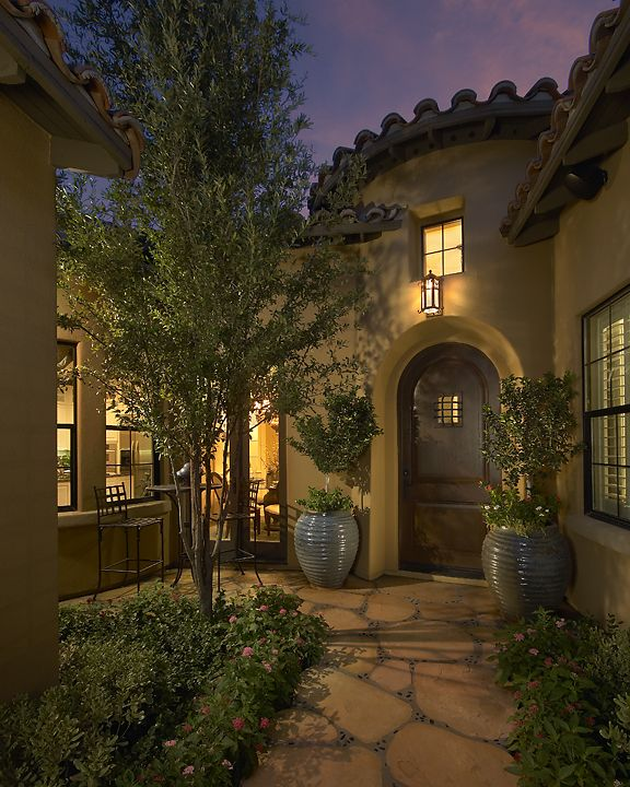Spanish Style Homes With Courtyards: Old California And Spanish Revival Style