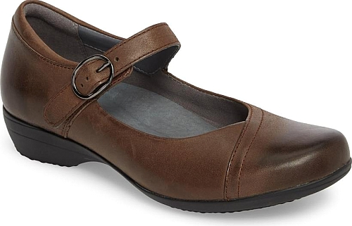 046994d4dac5 Dansko Women s Shoes in Chocolate Burnished Leather Color. A roomy toe box  gently curves up